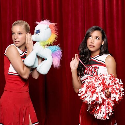 File:Glee back2.jpg