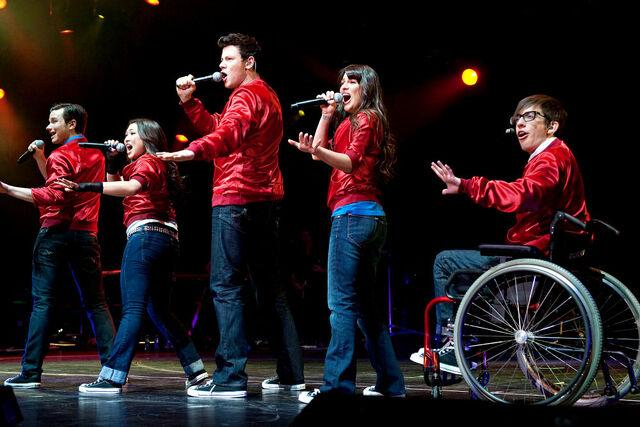 File:Glee live 20 wenn2867044.jpeg