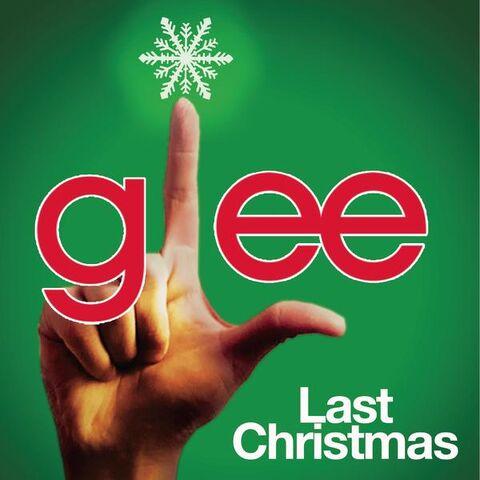 File:Glee-cast-last-christmas.jpg