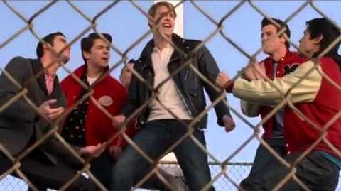 Glee - Summer Nights (Full Performance)
