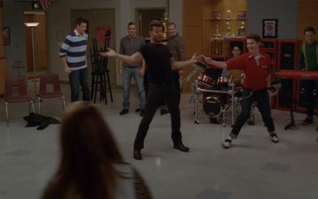 File:SexyandIKnowItGlee.png