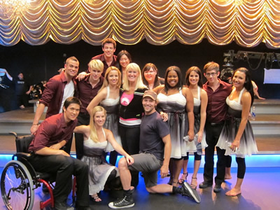 File:BTS-Glee-cast-photo-ep-2x09-sam-and-quinn-17061622-400-300.jpg