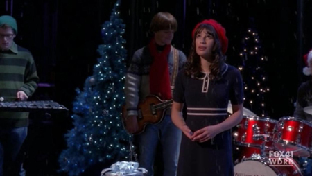 File:A Very Glee Christmas - Merry Christmas Darling.jpg