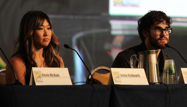 File:Glee panel-8.jpg