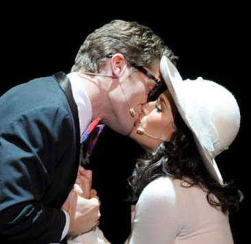 File:Will n rachel kiss.jpg