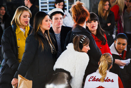 File:Glee-310-bts-5.jpg