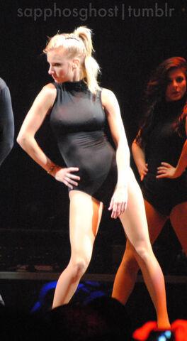 File:Heather-Morris-Boston-Glee-Live-glee-22728863-385-700.jpg