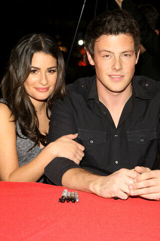 File:Lea+Michele+and+Cory+Monteith+SGY014165.jpg