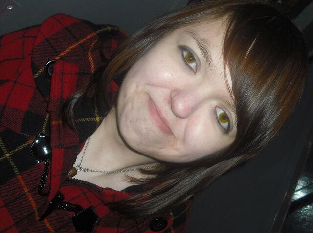 File:Amber.eyes..jpg