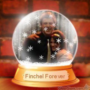File:FinchelSnowGlobejpg.jpg