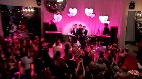 "Sneak Peek ""I Do"" GLEE"