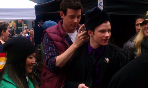 File:Cory using chris as an armrest - glee in nyc.jpg