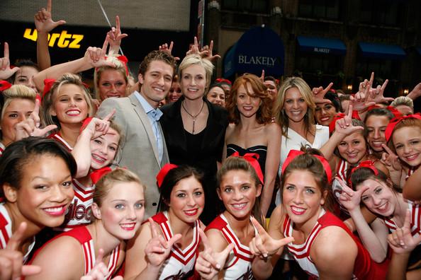 File:Glee+Cheerleaders+Exclusive+Performance+Fox+dFKIeIekpcvl.jpg
