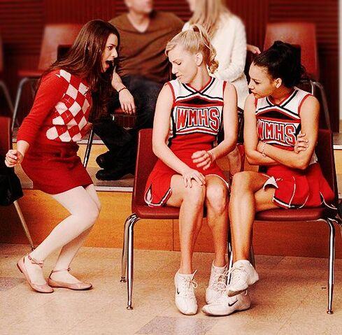 File:Brittany-pierce-glee-rachel-berry-santana-lopez-you-guys-are-pretty-Favim.com-326738.jpg