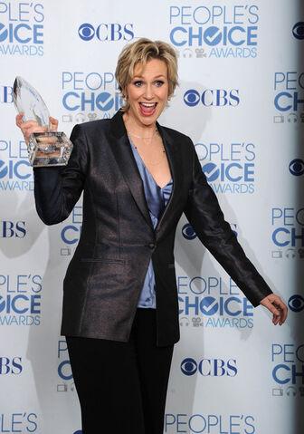 File:Jane+Lynch+2011+People+Choice+Awards+Press+5IvwBXZdbWPl.jpg
