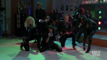 File:Glee 2x06 start me up snapshot-450x253.png