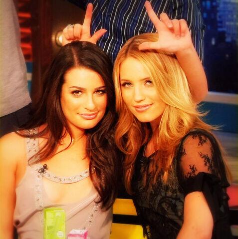 File:Rachel-and-Quinn-edit-glee-9415049-885-889.jpg