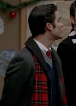 File:Blaine scarf.png