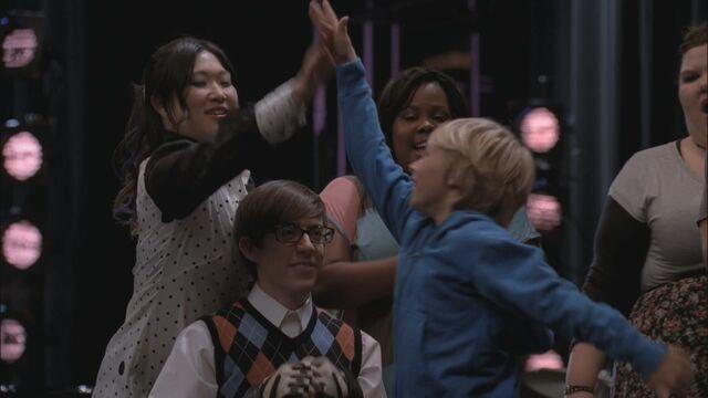 File:Glee219-1229.jpg