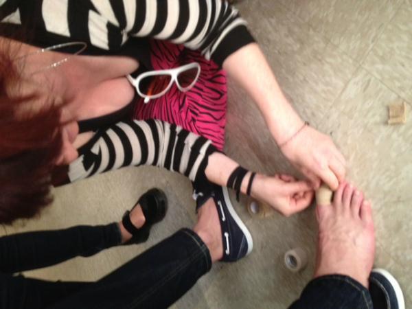 File:Darren stubbed toe.jpg