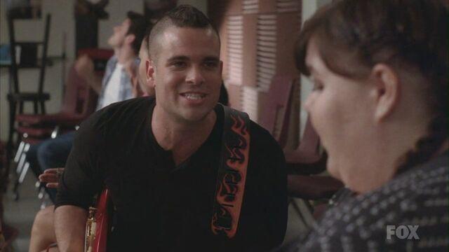 File:Glee212 238.jpg