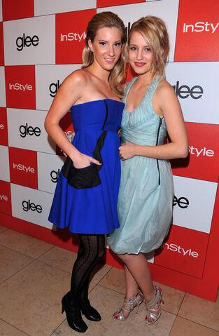 File:InStyle 20th Century Fox Celebrate Glee Golden hzfAU4rf91Nl.jpg