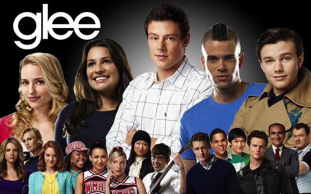 File:Gleeseason1.jpg