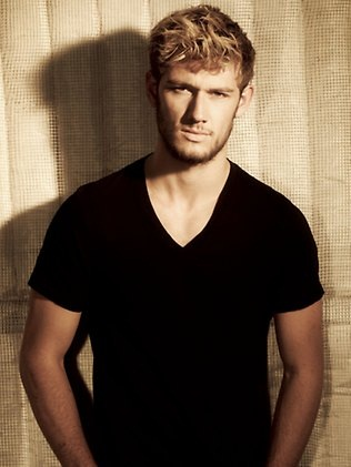 File:Alex Pettyfer as Alexander.jpg