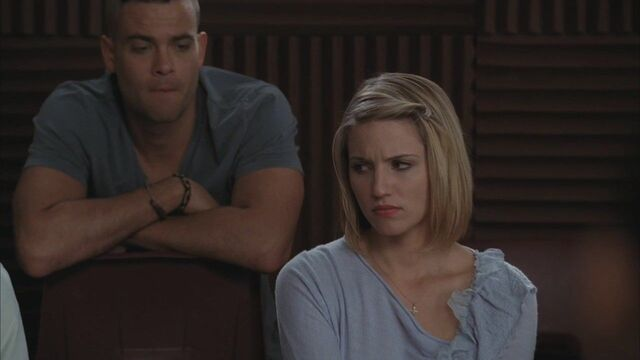 File:3x07-I-Kissed-A-Girl-quinn-and-puck-27243040-1280-720.jpg