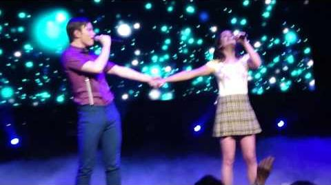 "Glee Live Tour 2010 - ""Defying Gravity"""