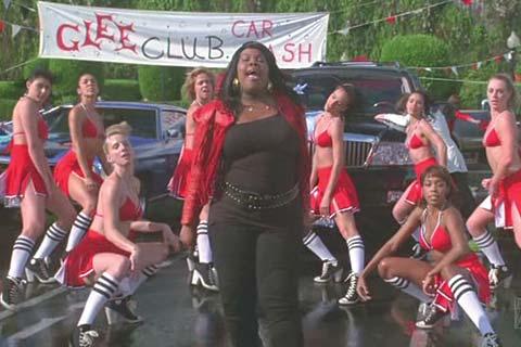 File:Glee02-mercedes-cheerios-carwash.jpg