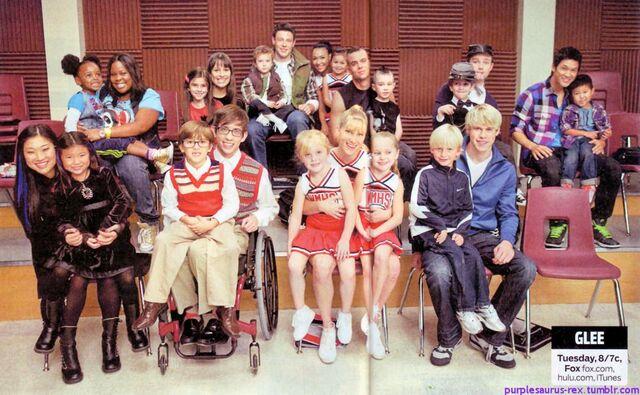 File:Glee kids.jpg