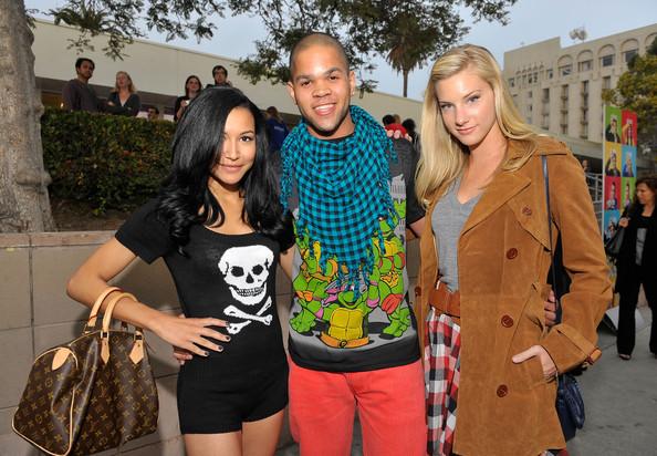 File:Naya Rivera Heather Morris Fox Premiere Glee m8njcN JsmBl.jpg