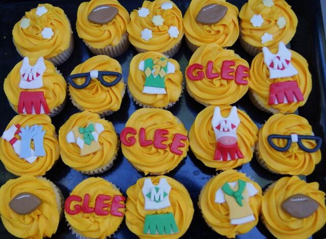 File:GleeCupcakes3.jpg