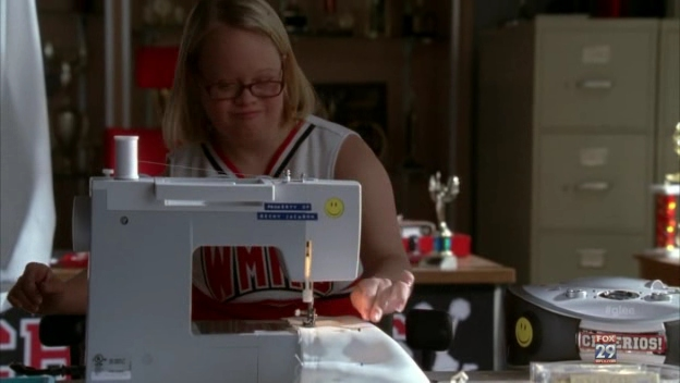 File:Glee=3x13 - Becky.png