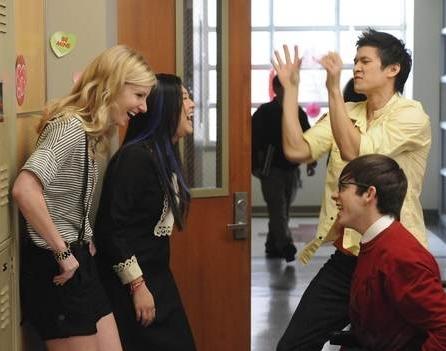 File:Glee hallway.jpg
