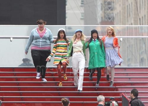 File:Glee girls dance in nyc 2.jpg