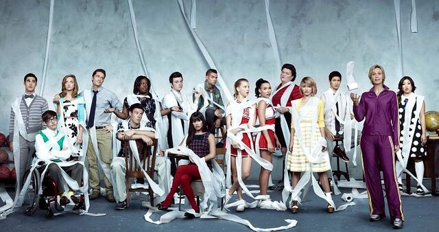 File:Glee cast 35.jpg