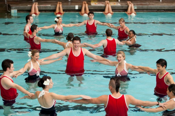 File:Glee-Episode-3-10-Photos-Synchronized-Swimming-in-Yes-No-glee-27948025-600-40034.jpg