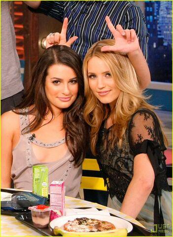 File:Glee-cast-tyra-show-01.jpg