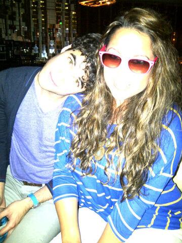 File:Darren Criss withFriend.jpg