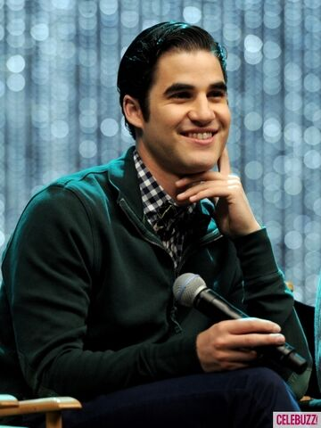 File:GLEE 300th Musical Performance Special Taping-9-435x580.jpg