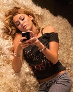 Lesa texting