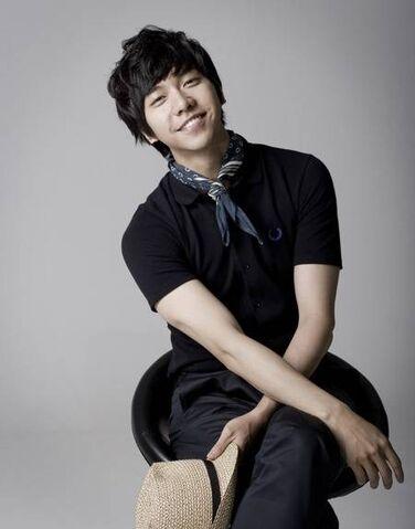 File:Lee-seung-gi6okt1.jpg