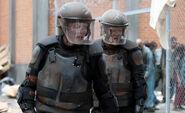 Walking-dead-Zombie-riot-cops