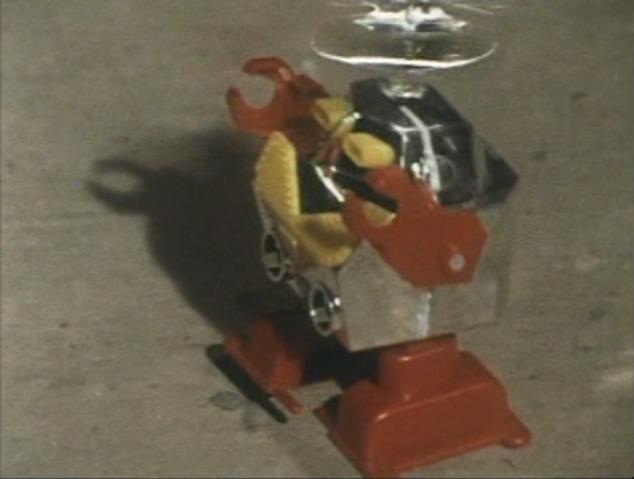 File:Go! Greenman - Episode 3 Greenman vs. Gejiru - 5 - What cute toys you have.png