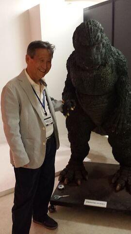 File:Koichi Kawakita and Godzilla Junior suit.jpg