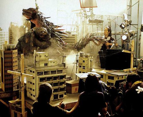 File:Toto and Zedus Behind the scenes.jpg