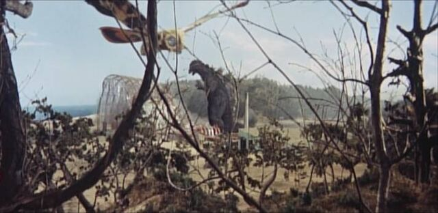 File:Godzilla -MosuGoji- and Mothra -ShodaiMosuImago- Fight.jpg