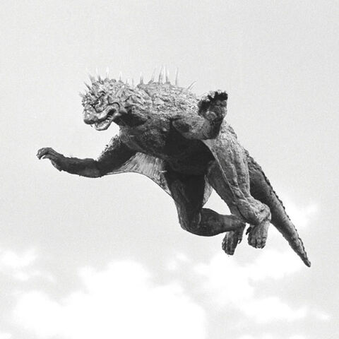 File:Godzilla.jp - 9 - SoshingekiVaran Varan 1968.jpg